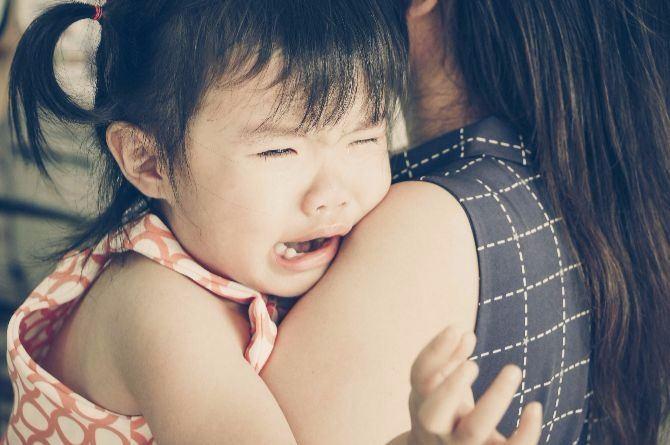 как достать у ребенка таракана из уха