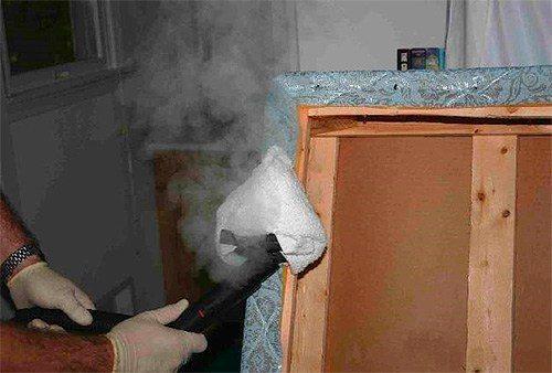 Намотайте на насадку кусок ткани для эффективности