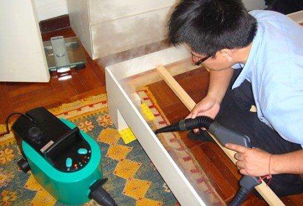 Обработка мебели пылесосом