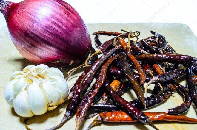 Раствора перца, чеснока и лука