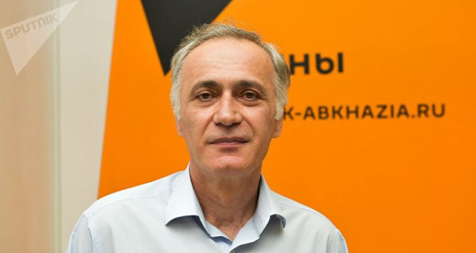 Роман Дбар
