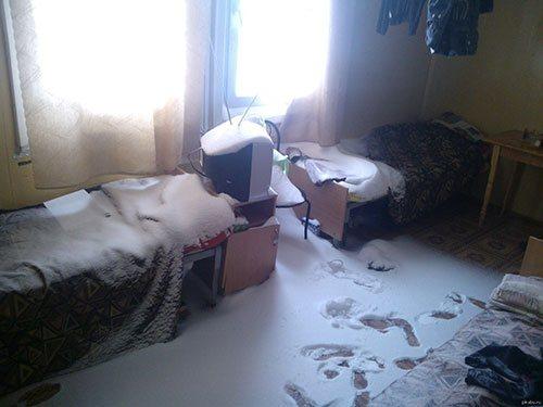 снег в квартире