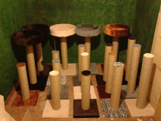 Столбики — самые популярные и простые изделия.