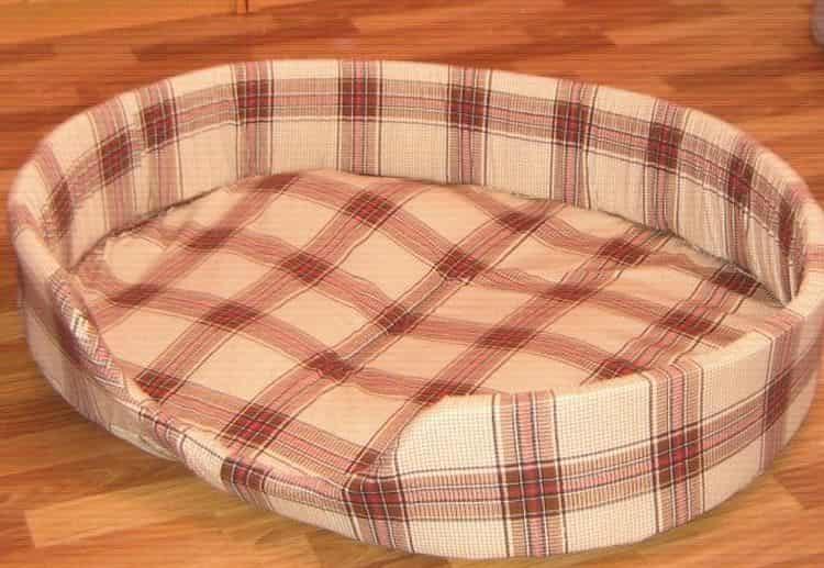 Вот так выглядит овальный лежак для собаки, который можно легко изготовить своими руками.